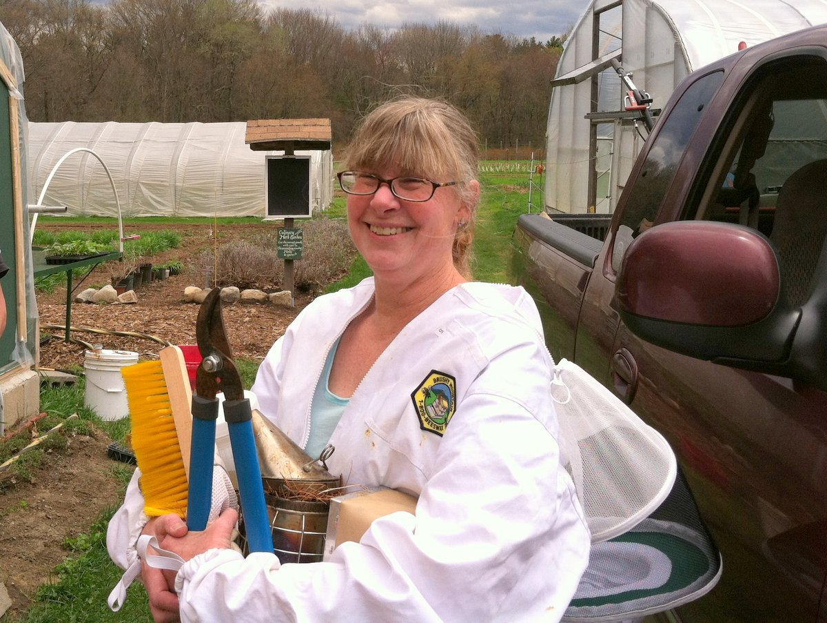 Beekeeper Deb Frazier